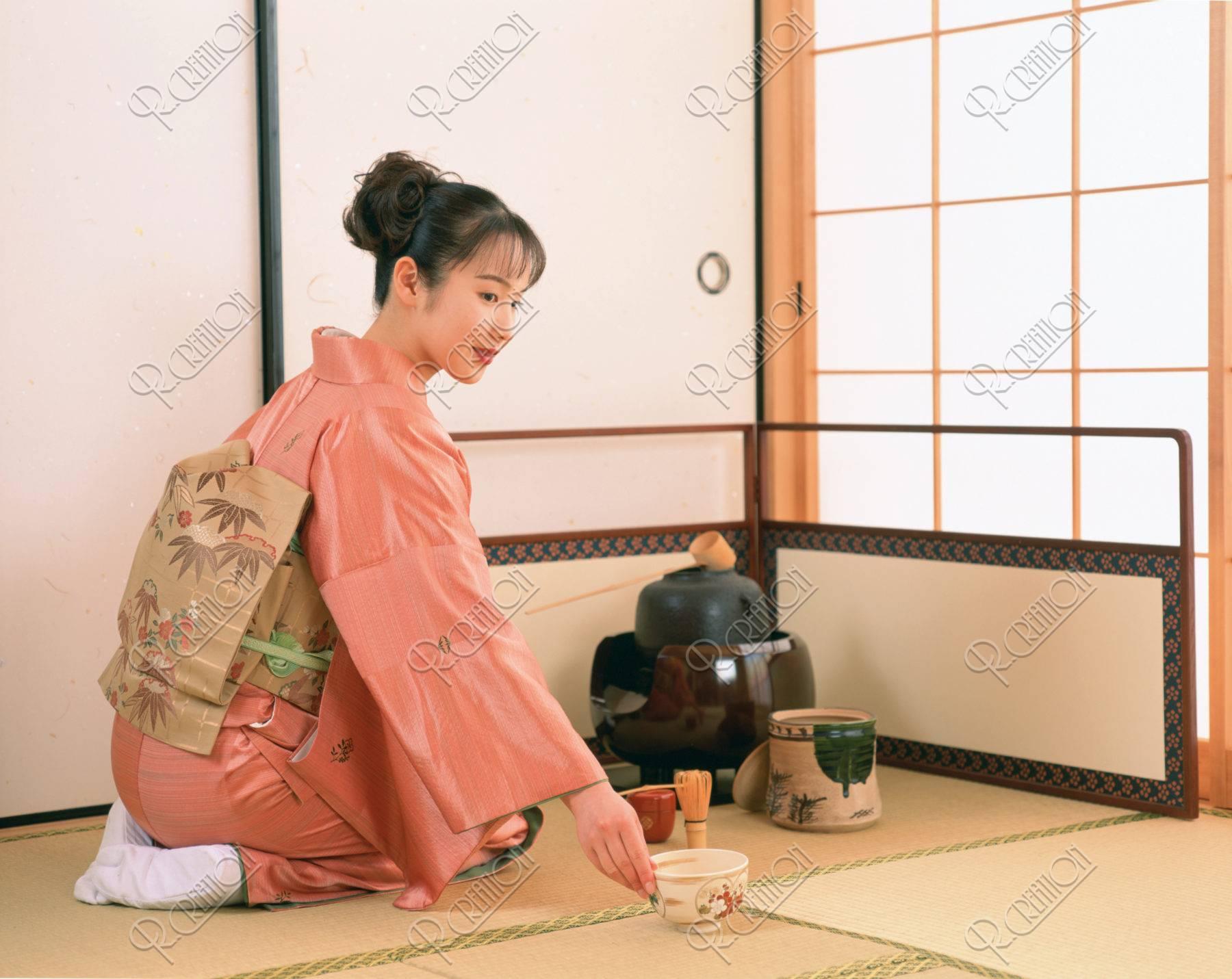 茶道の女性(一人)