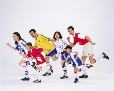 サッカーウェアの3世代