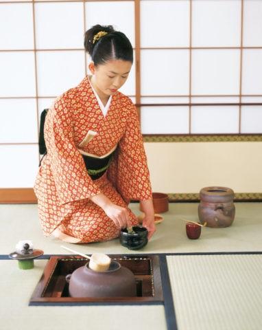 茶室の女性