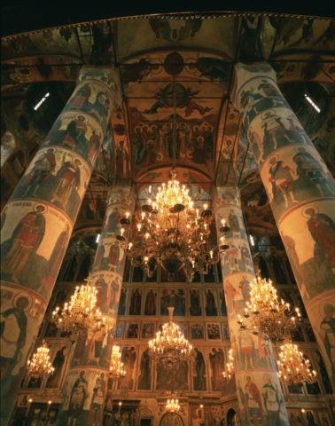 ウスペンスキー大聖堂内部 W.H.