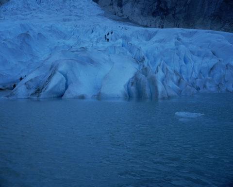 ブリクスダール氷河