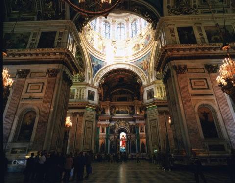 イサク聖堂の内部W
