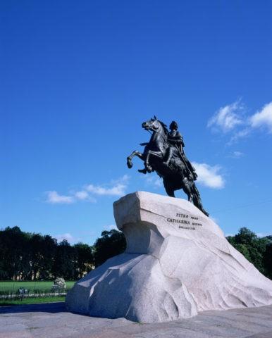 青銅の騎士像W