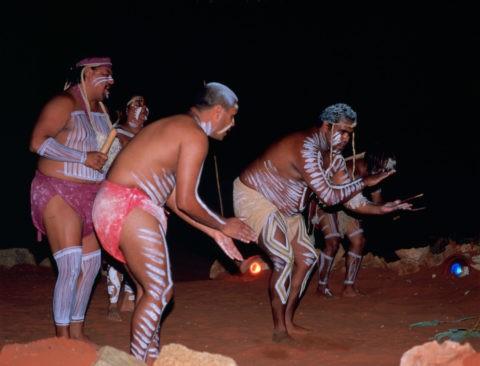 アナグー(アボリジニ)のダンスショー