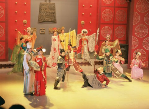 結婚(玄徳)の劇 三国城 無錫