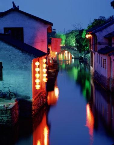 運河の夜景 周荘