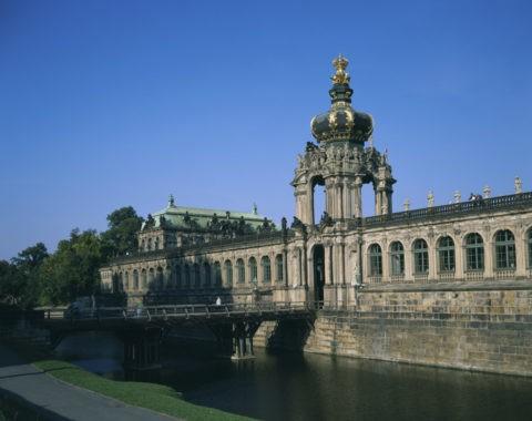 ツヴィンガー宮殿 王冠の門 W