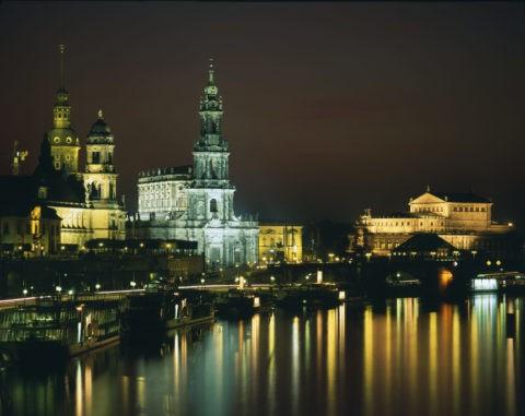 旧市街とエルベ川の夜景 W