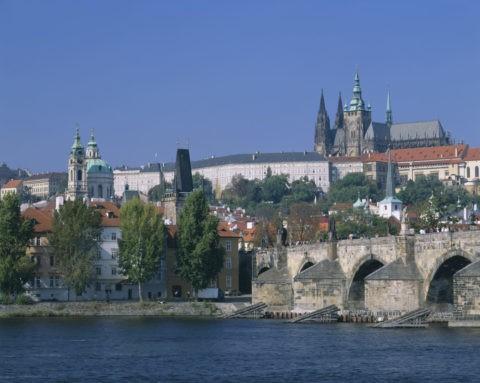 プラハ城とカレル橋 W