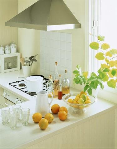 オレンジのあるキッチン