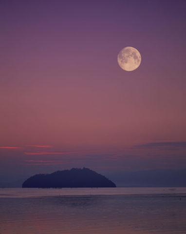 竹生島と月 創作