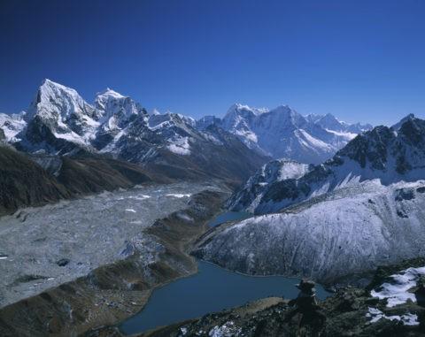 チョラツェ(左)6440m タウォツェ 6592m