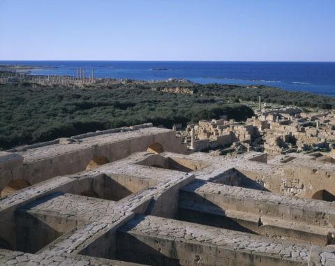 地中海と遺跡 W.H