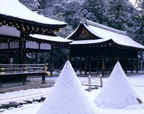 上賀茂神社雪景 立砂 W.H