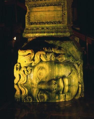 地下宮殿 メドゥーサ
