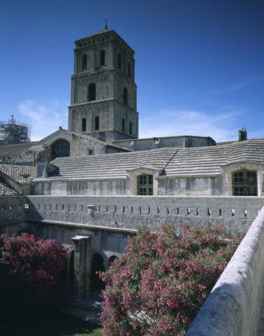 サン・トロフィーム教会 アルル W