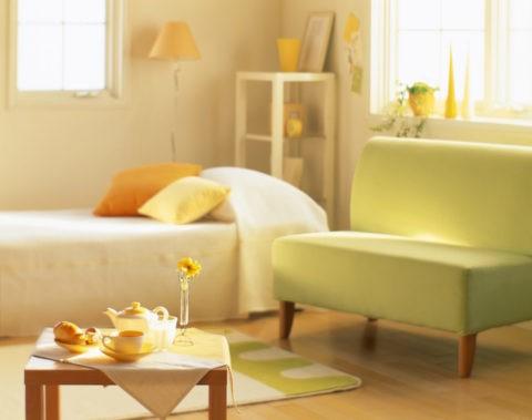 ベッドとソファー