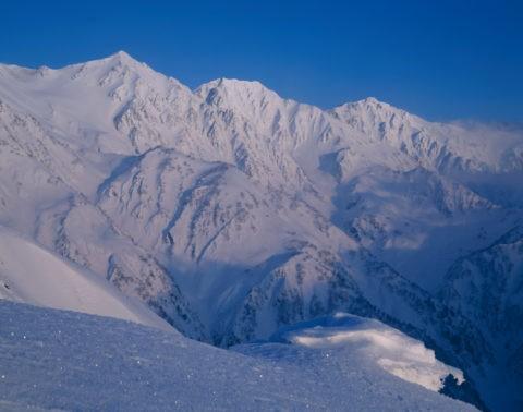 八方より雪の白馬、三山