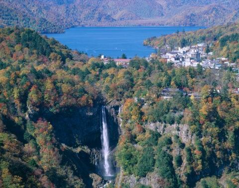 紅葉の華厳滝