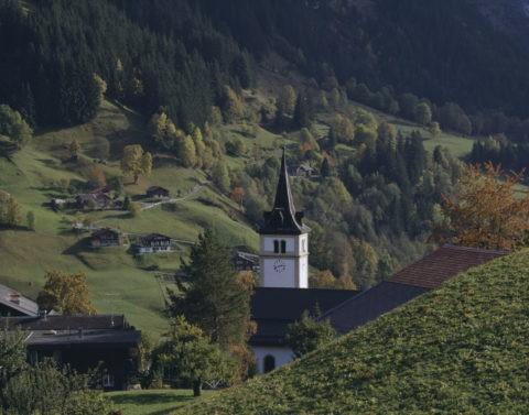 谷間の教会 スイス