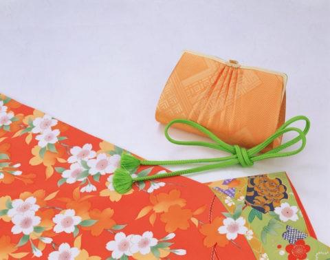 和風イメージ 着物とバッグ