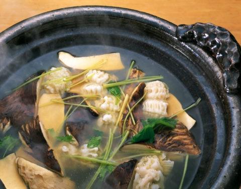 松茸とはもの鍋