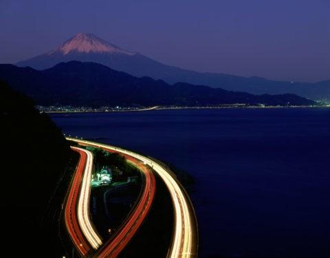 東名と富士山の夜景