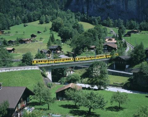 登山電車(KL.S.行)