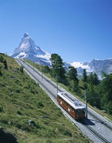 マッターホルンと登山電車