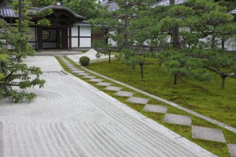 両足院 前庭