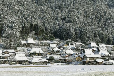 かやぶきの里 雪景色