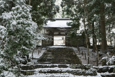 雪の常照皇寺
