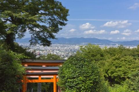 伏見稲荷大社 四つ辻からの京都市内