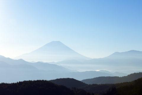 富士山と山並み