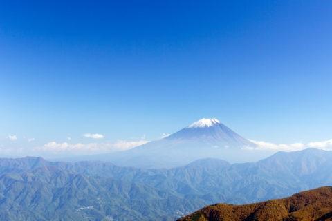 富士山と初冠雪
