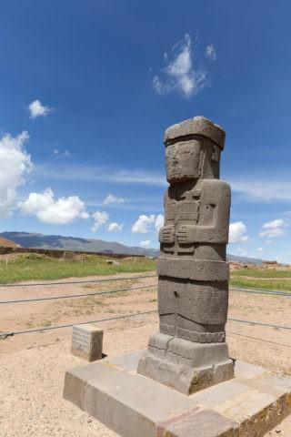 ティワナク遺跡 神像