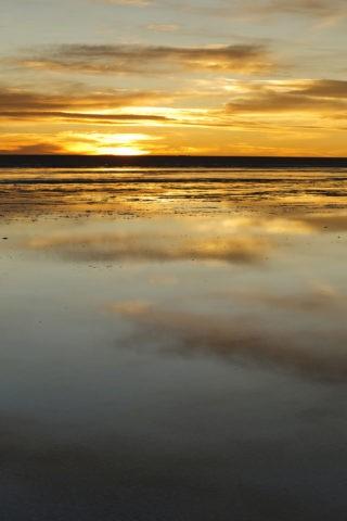 ウユニ塩湖 夕焼け