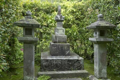 等持院 足利尊氏の墓