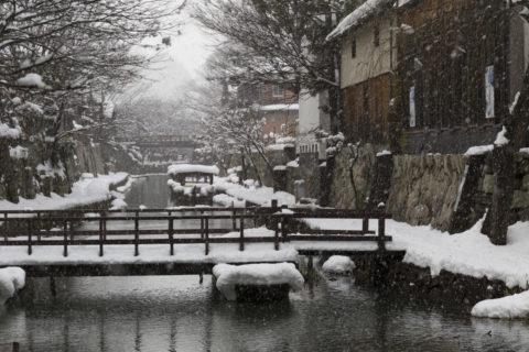 雪の八幡堀