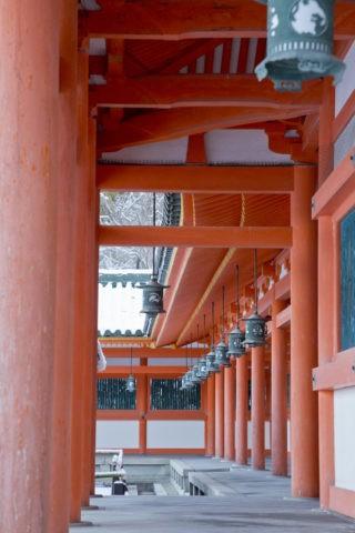 雪の平安神宮廻廊