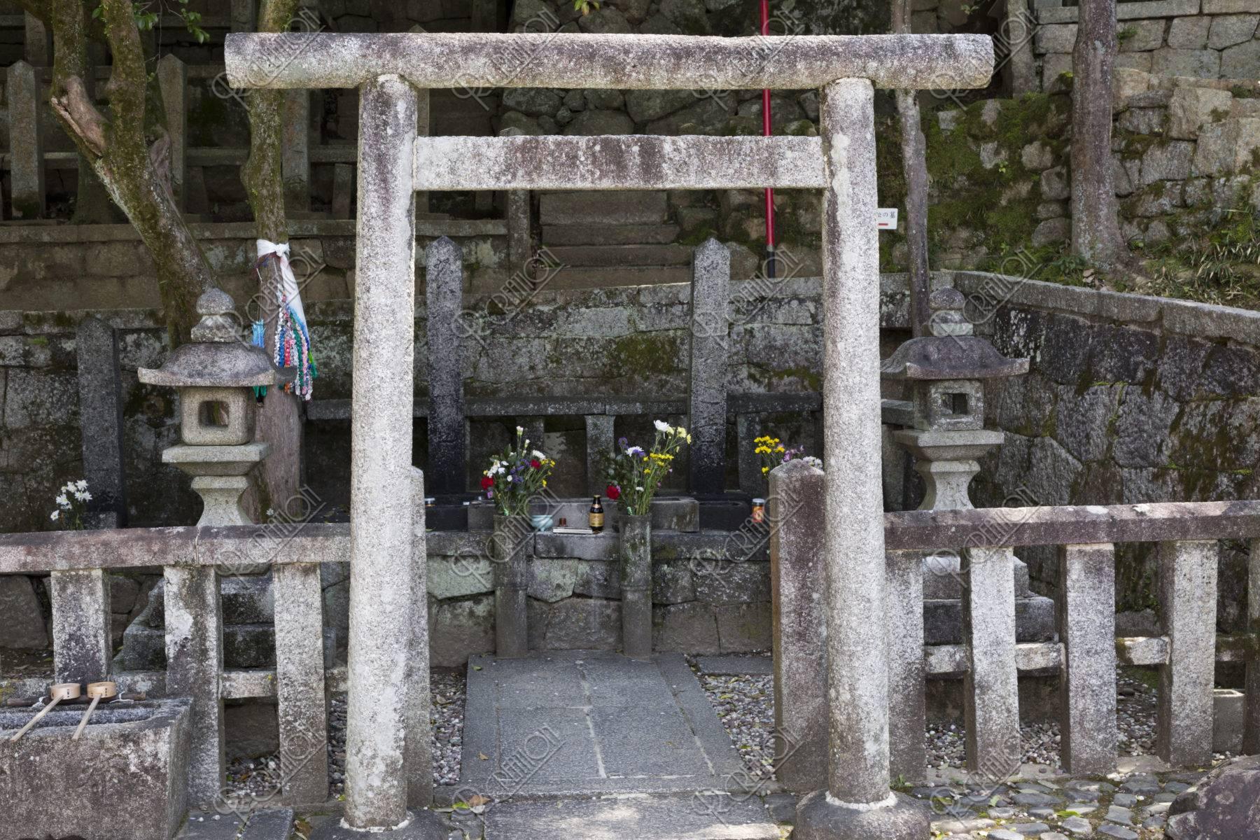 坂本龍馬と中岡慎太郎の墓