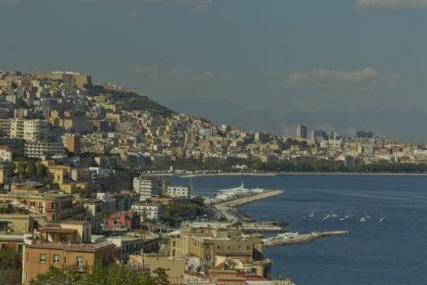 ポジリポの丘からナポリ遠望
