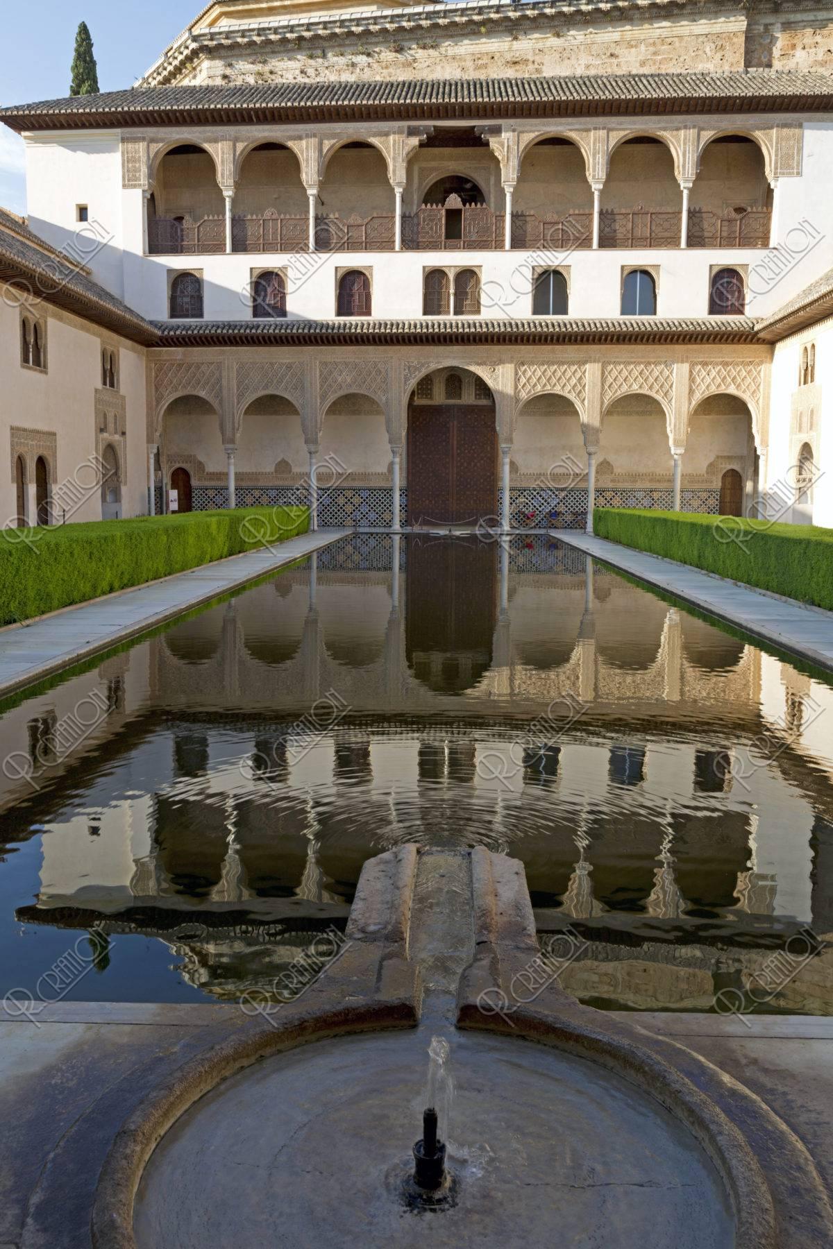 アルハンブラ宮殿 アラヤネスの中庭