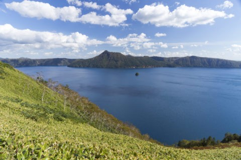 摩周湖とカムイシュ