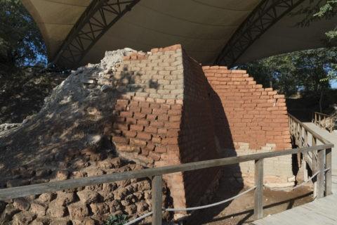 トロイ遺跡 メガロン式住居