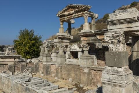 エフェソス遺跡 トラヤヌスの泉