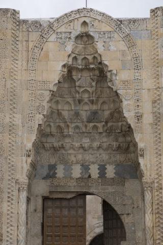 キャラバンサライ 門