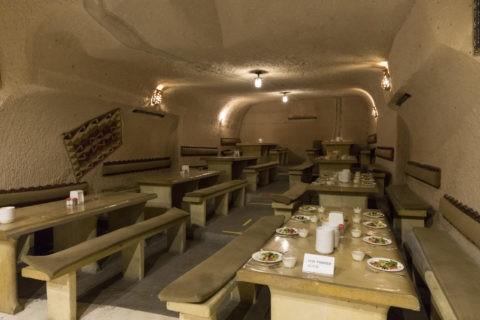 洞窟レストラン