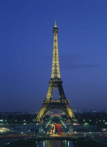 夕暮れのエッフェル塔 パリ