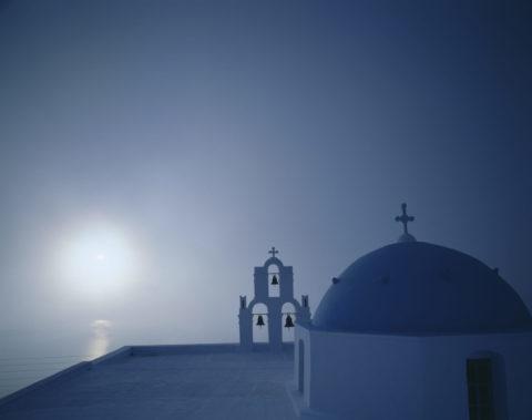 教会と夕日 サントリーニ島 ギリシャ